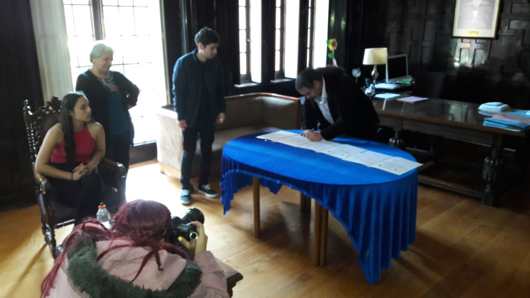 Firma de acta de creación de comite