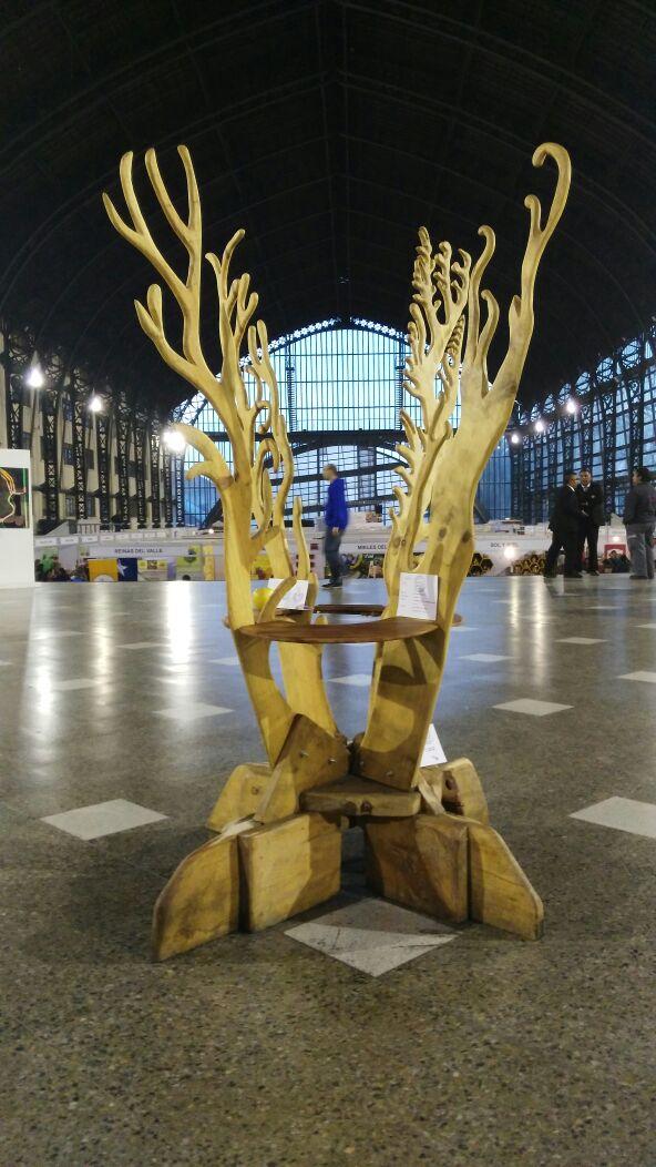 Instalación de arte y economía de Guillermo E. Cristi Larrucea para APINTURA de ONG MA